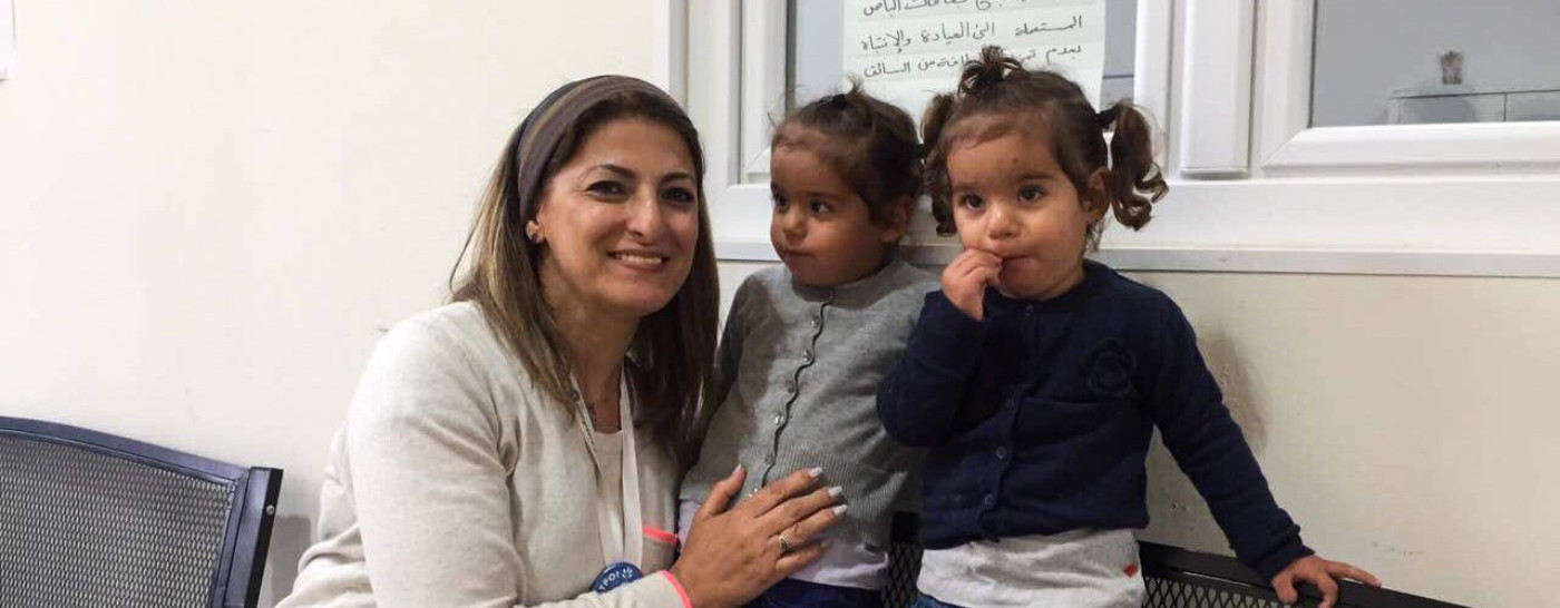 doctors-of-the-world-with-refugee-children